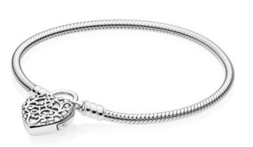 Bracelet moment lisse en argent Pandora 69€ - 597602
