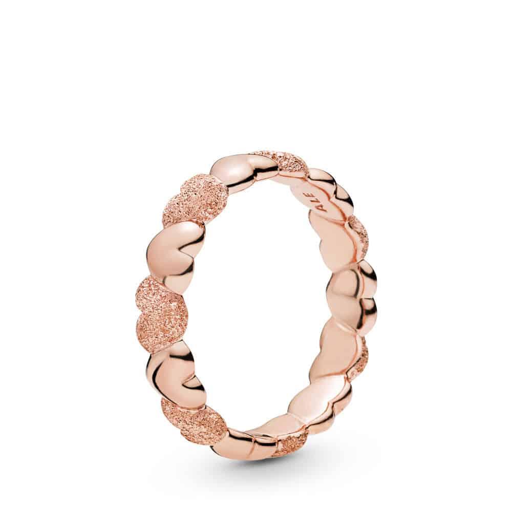 Bague Cœurs Grain de Sable en Pandora Rose 59€
