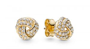 Clous d'oreilles Nœuds de l'Amour Scintillants en PANDORA Shine 99€ - 260696CZ