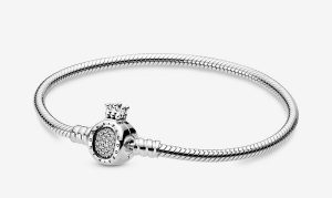 Bracelet O Couronné Pandora Moments 79€