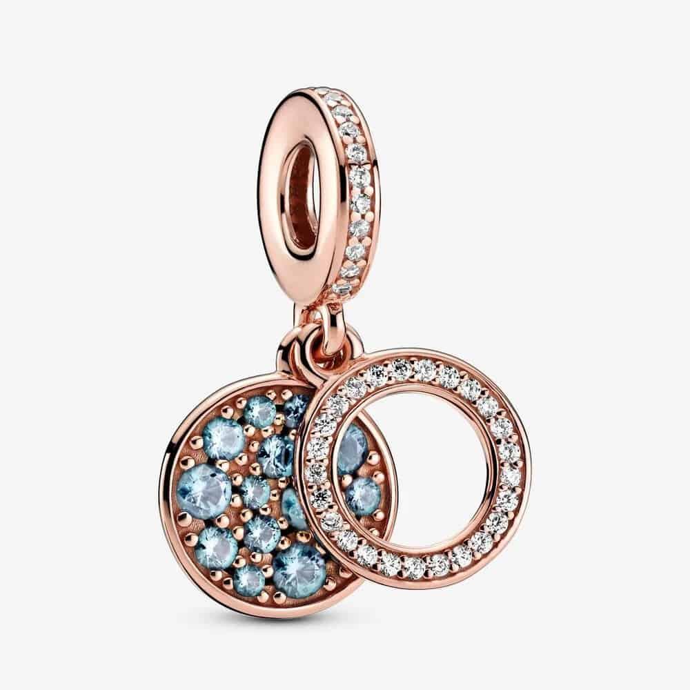 Charm Pendant Double Médaillon Bleu Clair Scintillant 69,00 € - 789186C03
